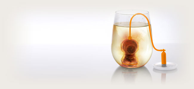 Fred-&-Friends-DEEP-TEA-DIVER-Silicone-Tea-Infuser